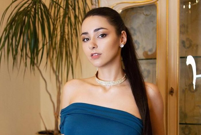 Helga Lovekaty – Biography 2019